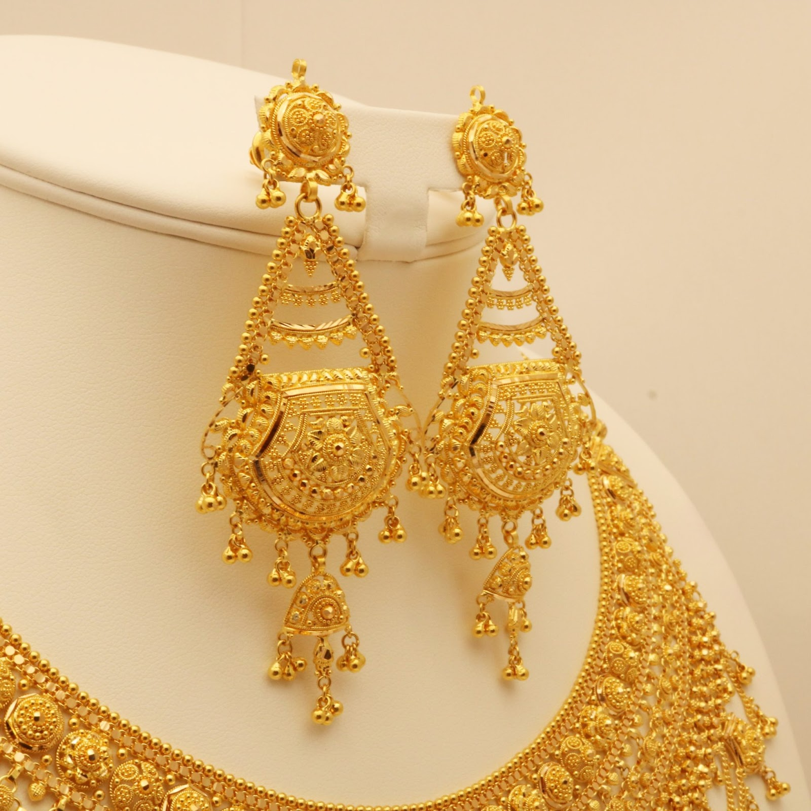gold-bridal-set
